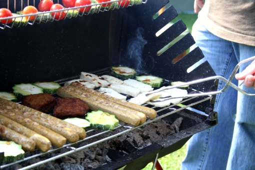 veg. Würstchen, veg. Steaks, Zucchinis, Halloumi