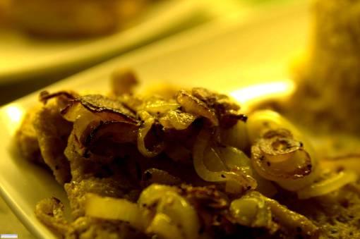 Seitan mit Röstzwiebeln